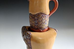Small pitcher with stand