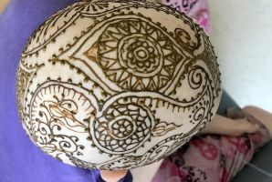henna crown  featured image